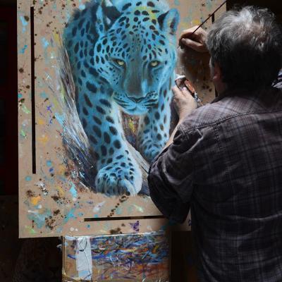 travail léopard bleu