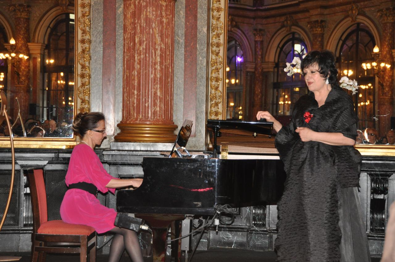 La pianiste Jaci Toffano et la cantatrice Laura Presti